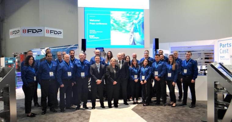 Delphi Technologies team photo at AAPEX